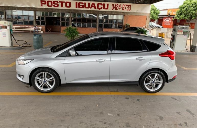 Ford Focus Hatch SE 1.6 16V TiVCT - Foto #7