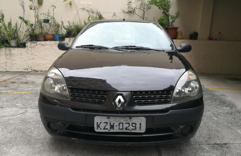 Renault Clio Hatch. Expression 1.0 8V - Foto #1