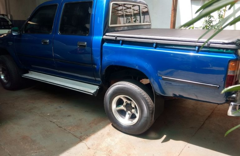 Toyota Hilux 2.7 CD Sr - Foto #5