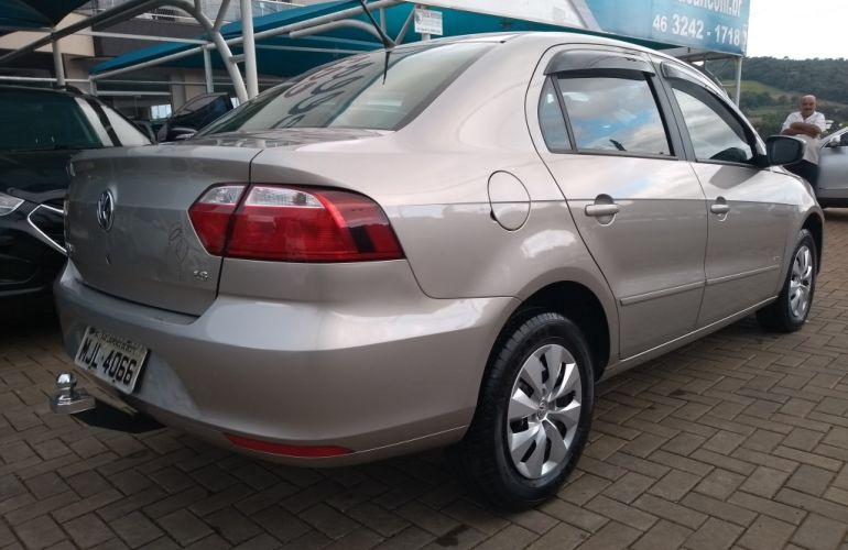 Volkswagen Voyage (G6) 1.6 VHT Total Flex - Foto #4
