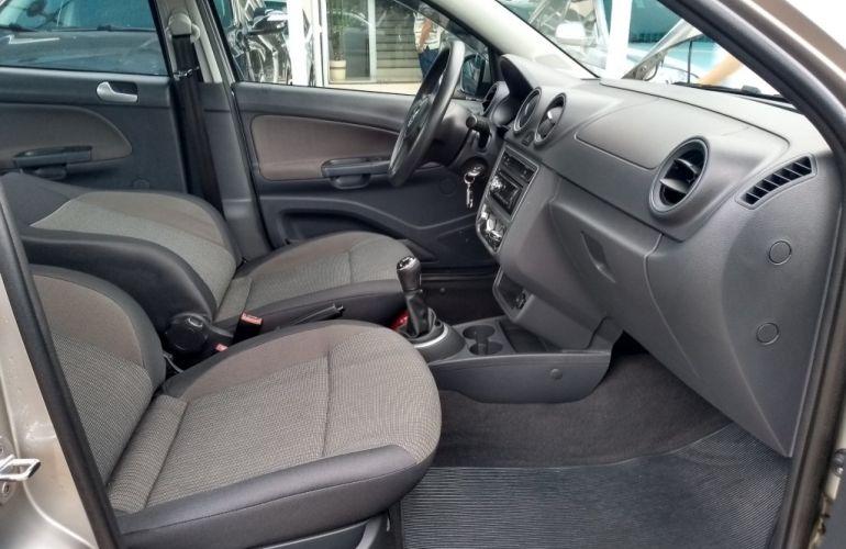 Volkswagen Voyage (G6) 1.6 VHT Total Flex - Foto #7