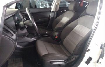Kia Cerato SX 1.6 16V - Foto #9