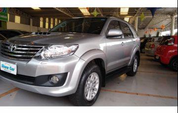 Toyota Hilux SW4 SRV 3.0 4X4 (7 Lugares)