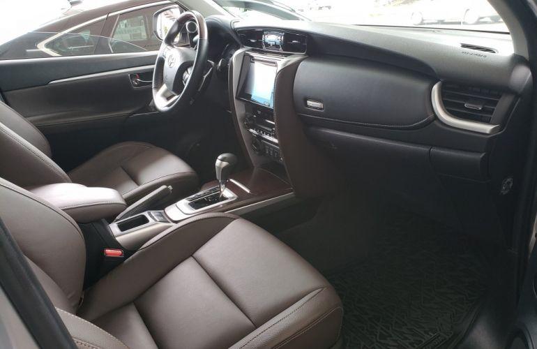 Toyota SW4 2.8 TDI SRX 5L 4x4 (Aut) - Foto #10