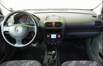 Chevrolet Corsa Hatch 1.0 8V - Foto #2