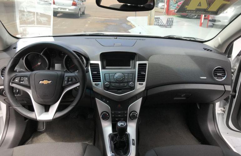 Chevrolet Cruze Sport6 LT 1.8 16V Ecotec (Flex) - Foto #9