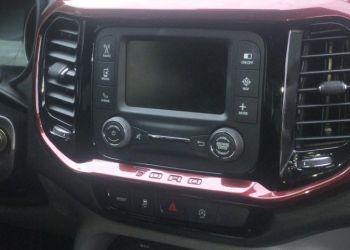 Fiat Toro Freedom 2.4 TigerShark AT9 (Flex) - Foto #9
