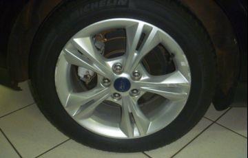 Ford Focus Hatch SE 1.6 16V TiVCT - Foto #9