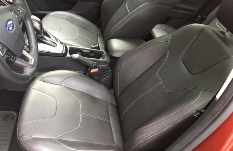 Ford Focus Hatch Titanium 2.0 16V (Aut) - Foto #9