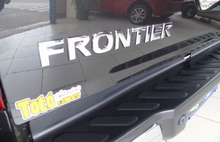 Nissan Frontier LE 4X4 2.3 Bi Turbo 190 cv - Foto #10