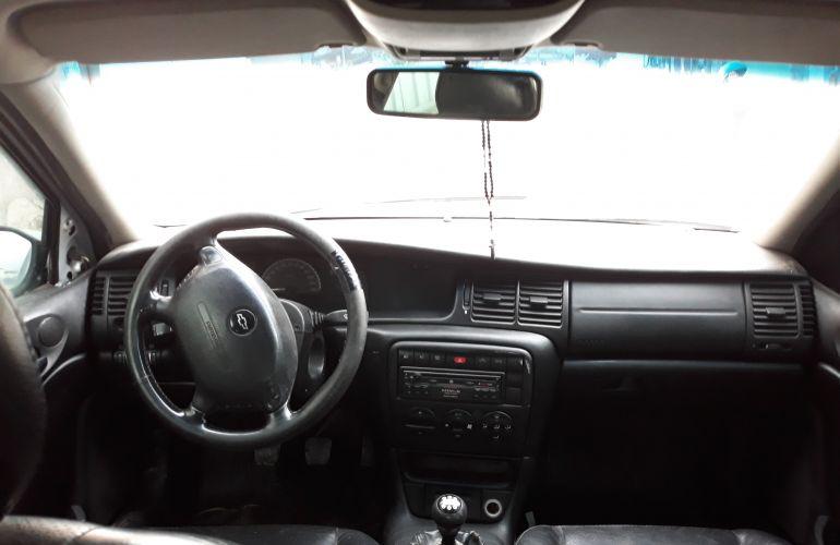 Chevrolet Vectra Plus CD 2.0 8V - Foto #6