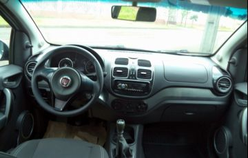 Fiat Grand Siena Evo Attractive 1.4 8V (Flex) - Foto #9