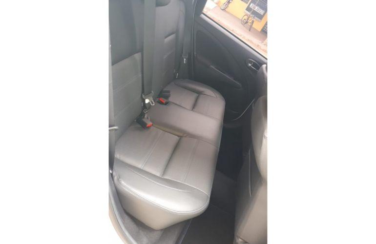 Toyota Etios Platinum 1.5 (Flex) (Aut) - Foto #4
