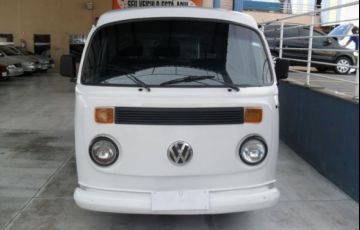 Volkswagen Kombi Standard 1.5 8V - Foto #1