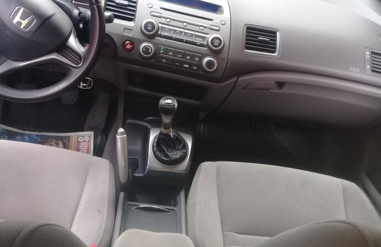 Honda New Civic LXS 1.8 - Foto #8
