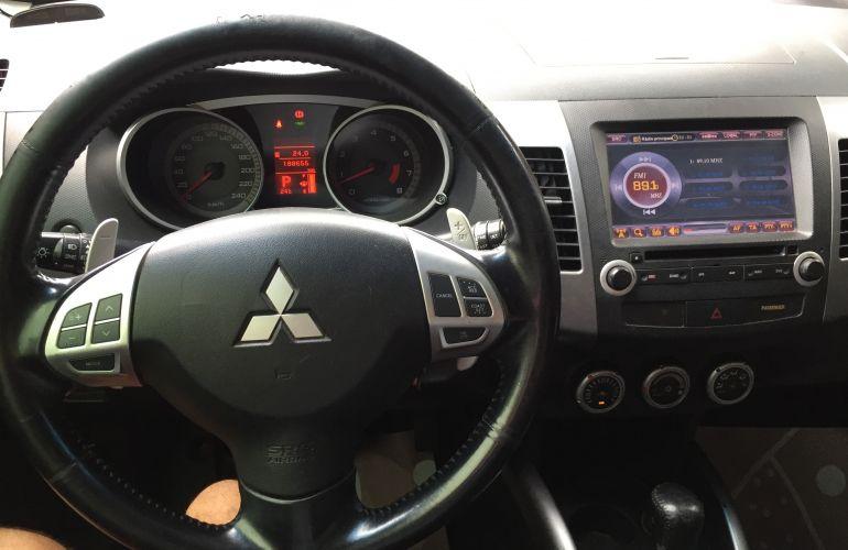 Mitsubishi Outlander 3.0 V6 - Foto #1