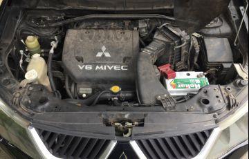 Mitsubishi Outlander 3.0 V6 - Foto #2