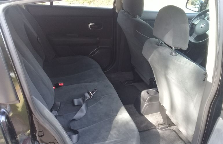 Nissan Tiida S 1.8 (flex) - Foto #2