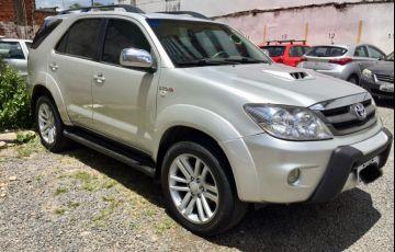 Toyota Hilux SW4 SRV 4x4 3.0 Turbo