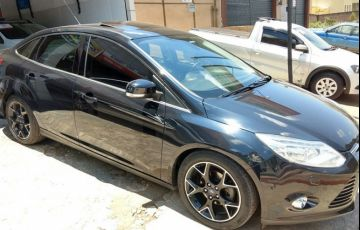 Ford Focus Sedan Titanium Plus 2.0 16V PowerShift (Aut) - Foto #3