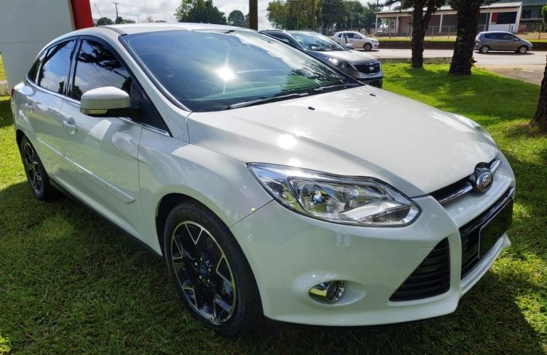 Ford Focus Sedan Titanium 2.0 16V PowerShift - Foto #1