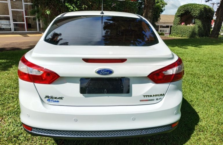 Ford Focus Sedan Titanium 2.0 16V PowerShift - Foto #6