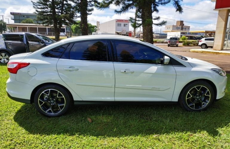 Ford Focus Sedan Titanium 2.0 16V PowerShift - Foto #8