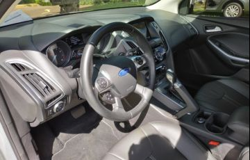 Ford Focus Sedan Titanium 2.0 16V PowerShift - Foto #9