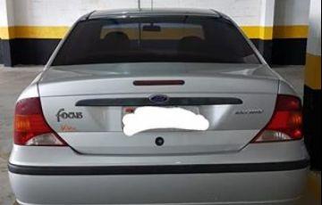 Ford Focus Sedan GLX 2.0 16V Duratec - Foto #3