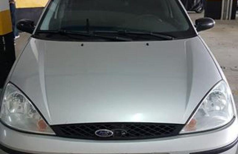 Ford Focus Sedan GLX 2.0 16V Duratec - Foto #5