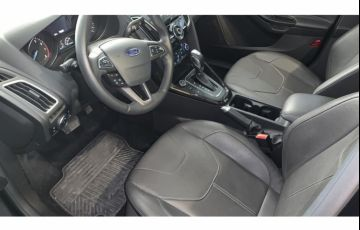 Ford Focus Sedan Titanium 2.0 16V PowerShift - Foto #4