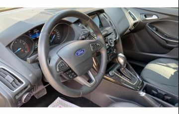 Ford Focus Sedan Titanium 2.0 16V PowerShift - Foto #10