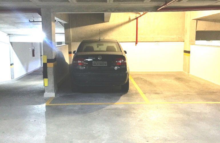 Volkswagen Polo Sedan 1.6 8V - Foto #6