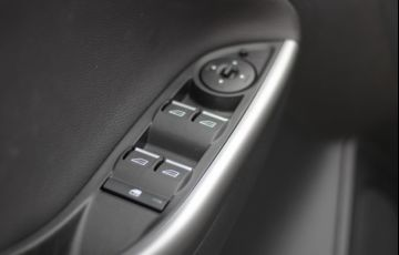 Ford Focus Sedan 2.0 16V (Aut) - Foto #9