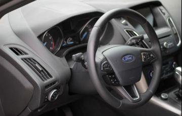 Ford Focus Sedan 2.0 16V (Aut) - Foto #10