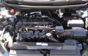 Renault Clio Sedan Authentique 1.0 16V - Foto #7
