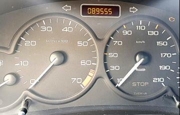 Peugeot 206 Hatch. Presence 1.4 8V - Foto #5