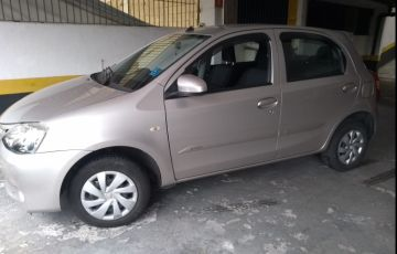 Toyota Etios X 1.3 (Flex) (Aut) - Foto #6