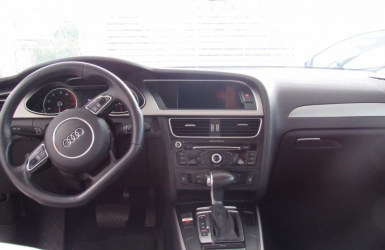 Audi A4 1.8 TFSI Attraction Multitronic - Foto #1