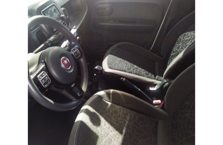 Fiat Mobi FireFly Drive GSR 1.0 (Flex) - Foto #1