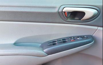 Honda New Civic LXL 1.8 16V i-VTEC (Flex) - Foto #7