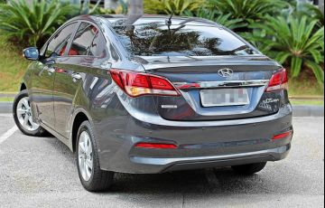 Hyundai HB20S 1.6 Comfort Style (Aut) - Foto #2