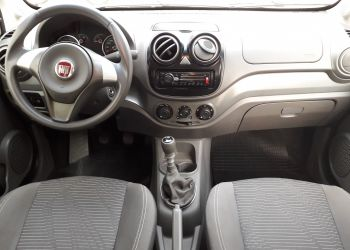Fiat Palio Attractive 1.4 8V (Flex) - Foto #5