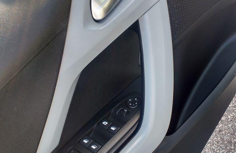 Peugeot 208 1.5 8V Allure (Flex) - Foto #10