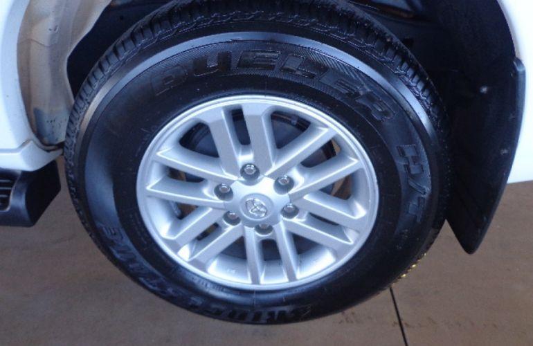 Toyota Hilux SW4 SRV 3.0 4X4 (7 Lugares) - Foto #7