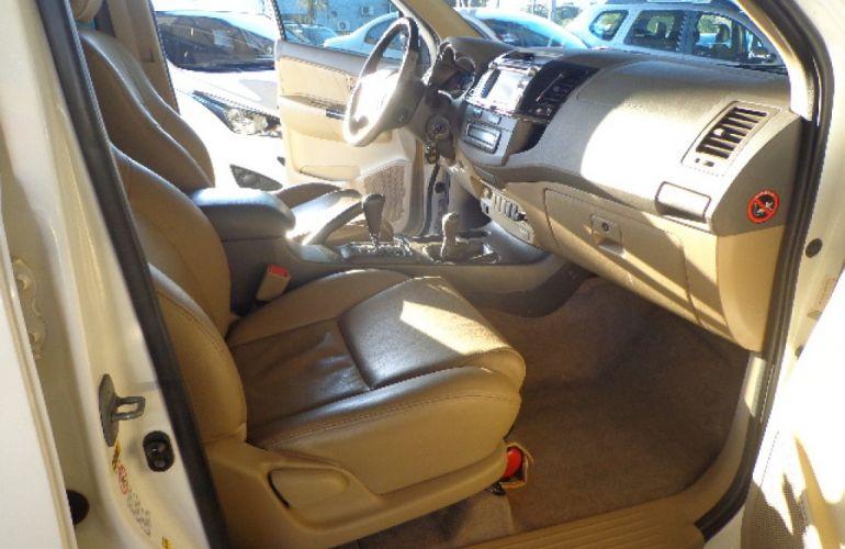 Toyota Hilux SW4 SRV 3.0 4X4 (7 Lugares) - Foto #10