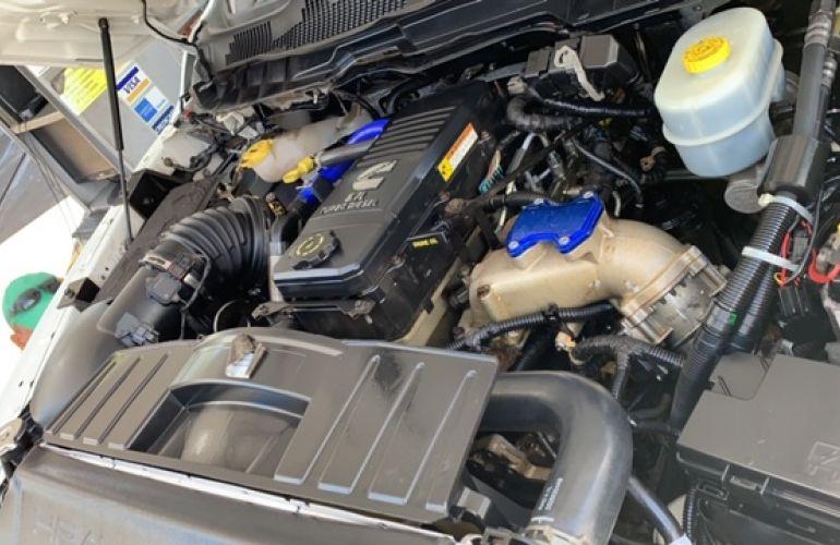 Dodge Ram 6.7 4x4 Laramie - Foto #1