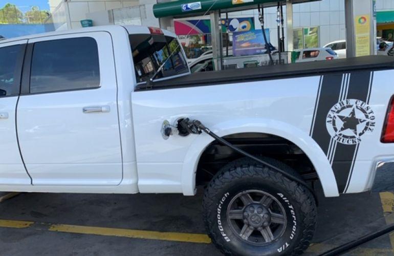 Dodge Ram 6.7 4x4 Laramie - Foto #2