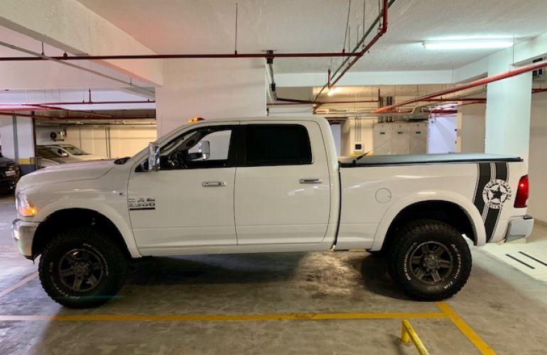 Dodge Ram 6.7 4x4 Laramie - Foto #4