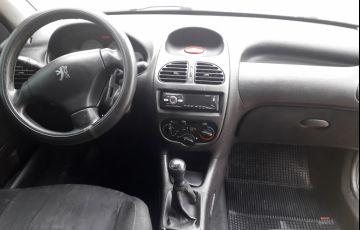 Peugeot 206 Hatch. Feline 1.4 8V - Foto #2
